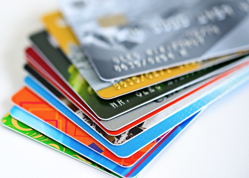 Esta guía le ayudará a comprender los desafíos que trae consigo la deuda de tarjetas de crédito y cómo superarlos.