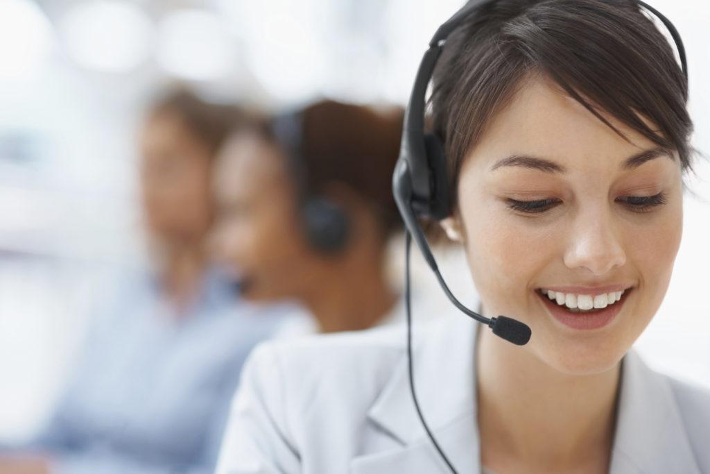 Hable con un asesor de crédito capacitado por teléfono.