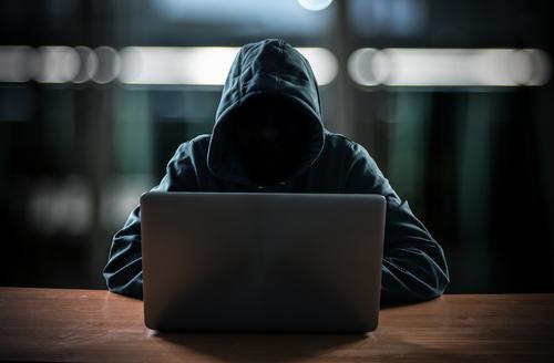 Proteja sus finanzas del fraude con tarjetas de crédito y sepa cómo lidiar con el robo de identidad si le sucede a usted.